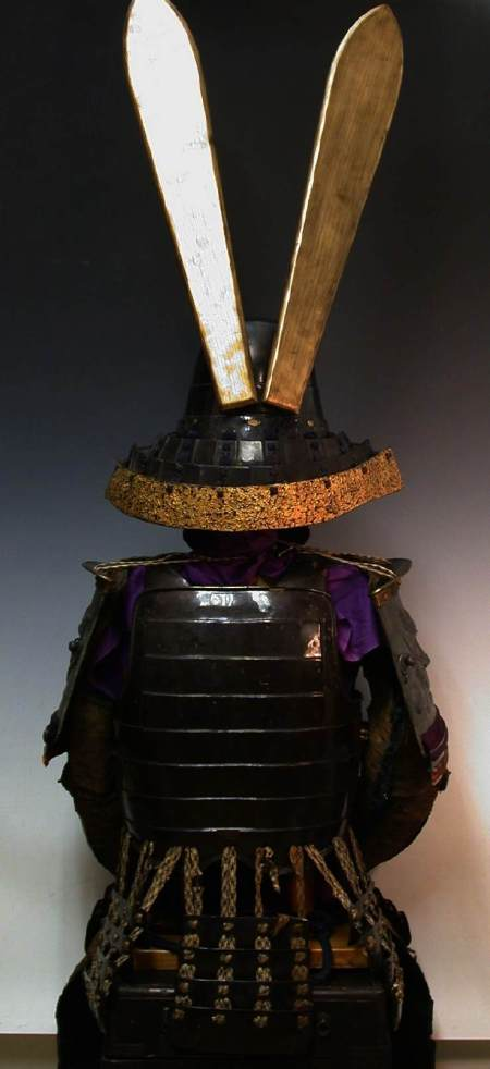 Edo_Samurai_Oni_Suit_of_Armor_0538.JPG