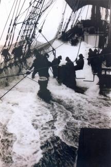 Alan Villiers - 1933 - Recolhendo os estais