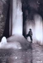 Norbert Casteret - 1953 - Espanha - Coluna de gelo embaixo do mundo