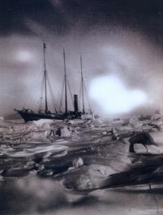 Expedição Artica Pearvy - 1905 - Navio imobilizado pelo gelo na aurora