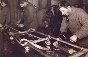 Herbert G. Ponting - 1911 - Antártica - Montagem de um trenó