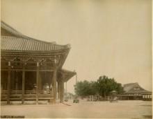 Farsari,_Adolfo_(1841-1898)_-_F7_-_Nishi_Honganji_temple_-_1880s