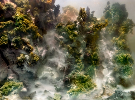 4600-waterfall-04h-34x44-54x70-72x94-20101