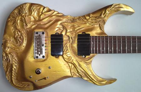 carved_guitar_carving_guitarra_luthier_escultura_dragon_dragoes_dragao_gold_ibanez_rg_luthieria